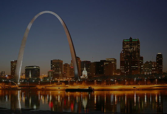 St. Louis Singles Events - Speed Dating, Singles Mixer, Black and White party, Happy Hour, Local Singles game night.